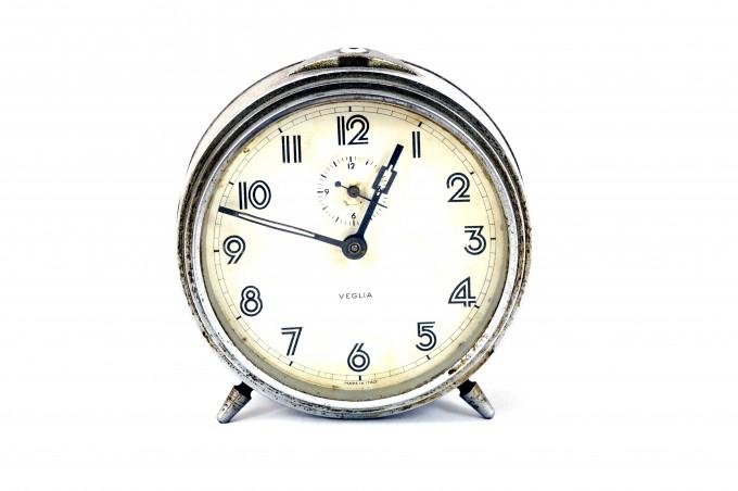 old_alarm_clock_201325